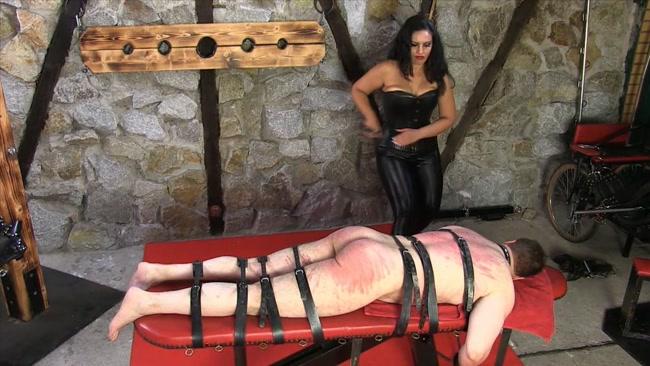 A Hard Belting - Mistress Ezada Sinn