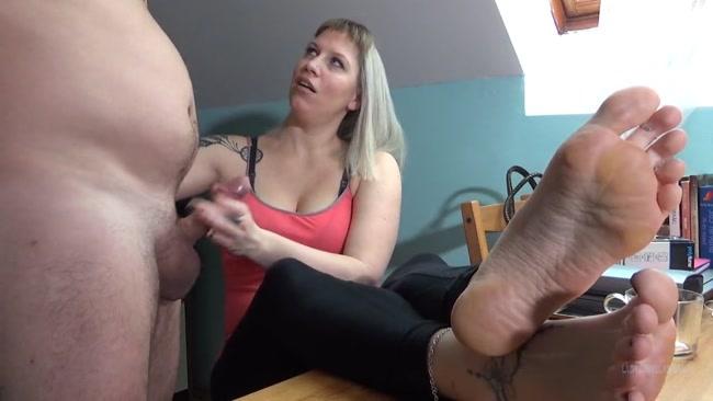Lady_Cruellas_games_-_Humiliation_games_-_Triple_orgasm