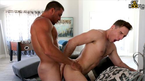 GayHoopla – Dirty Derek Jones Makes Forrest Marks Cock Explode