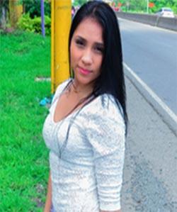 Reina Velez-Colombiana De Culo Aceitado Recogida Y Follada Con Facial