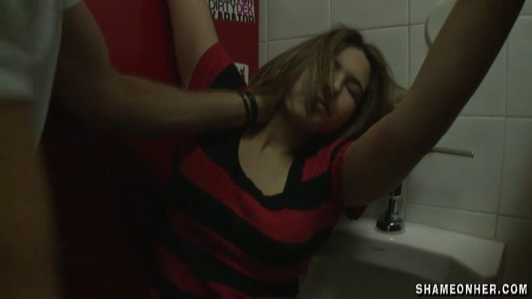 Guy r@ped drunk girl in toilet