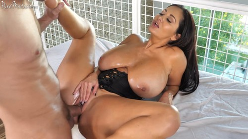 Breasts & Body rub (Ava Addams)