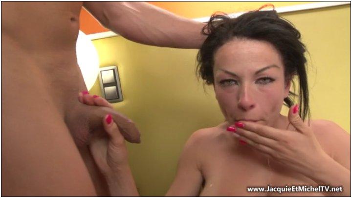 [PervsOnPatrol / Mofos] Molly Jane (Spying on a Snooping Slut / 16.12.2014) [Sex, Sex Toys, Deep Throat, Titty Fuck, Doggystyle, R…