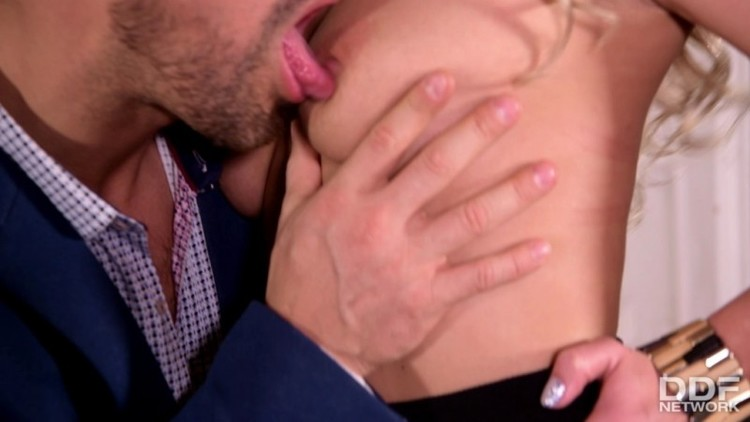 Only Blow Job   - Stasia Bond - Deep Throat At The Office - 21790 - 22.03.18 - 1080p Free Download From pornparadise.org
