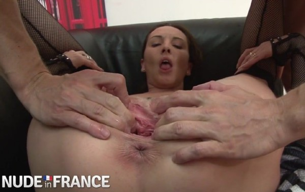 PetitCoeur - Raunchy whore gets fist fucking up the ass - SD (2018/NudeInFrance.com/220 MB)