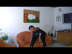>>>Rubber pee pants-2