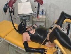 >>>Fetish tit torture gasmask