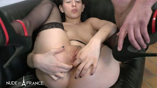 Lilou Sou - Young brunette with small tits in love with rimming, fisting and anal fucking - SD (2018/NudeInFrance.com/174 MB)