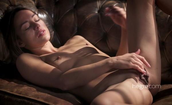 Pleasuring The Pussy (Dominika C) Hegre [SD]