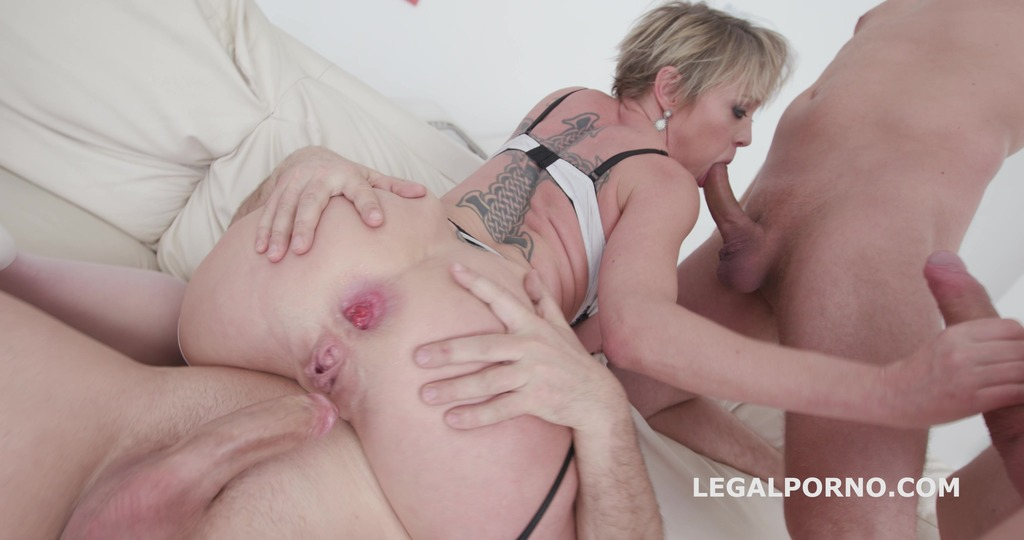 LegalPorno - Giorgio Grandi - Total Dap Destruction with Dee Williams Balls Deep Anal / DAP / TP / Gapes / Airplane / Swallow GIO631