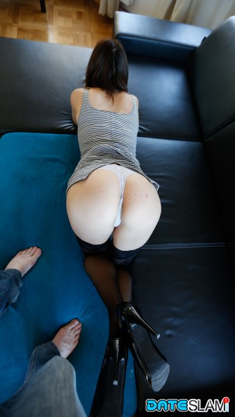 Veronica - Stranger Sex vid with Horny Euro Babe met online [HD] DateSlam - (559 MB)