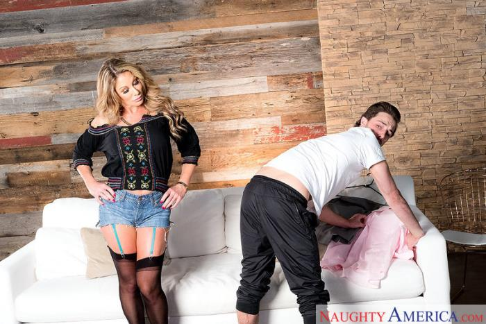 Farrah Dahl - My Friends Hot Mom (2018/MyFriendsHotMom / NaughtyAmerica/SD/360p)