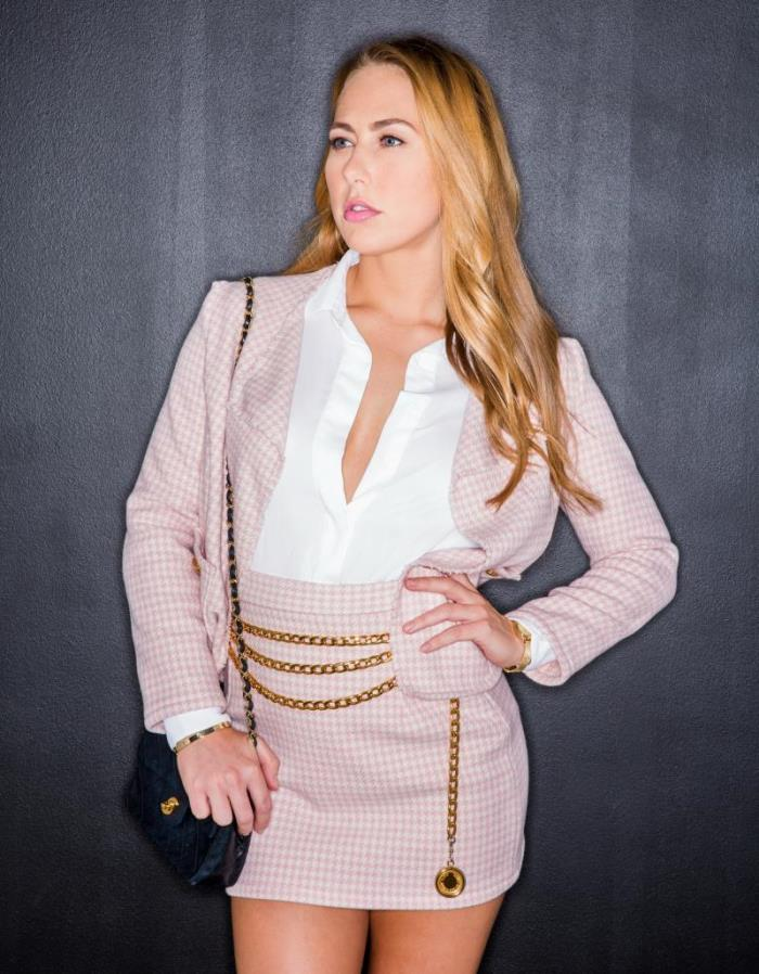 Carter Cruise - Rich Girl Gets What She Wants (Double Penetration) - Tushy [SD 480p]