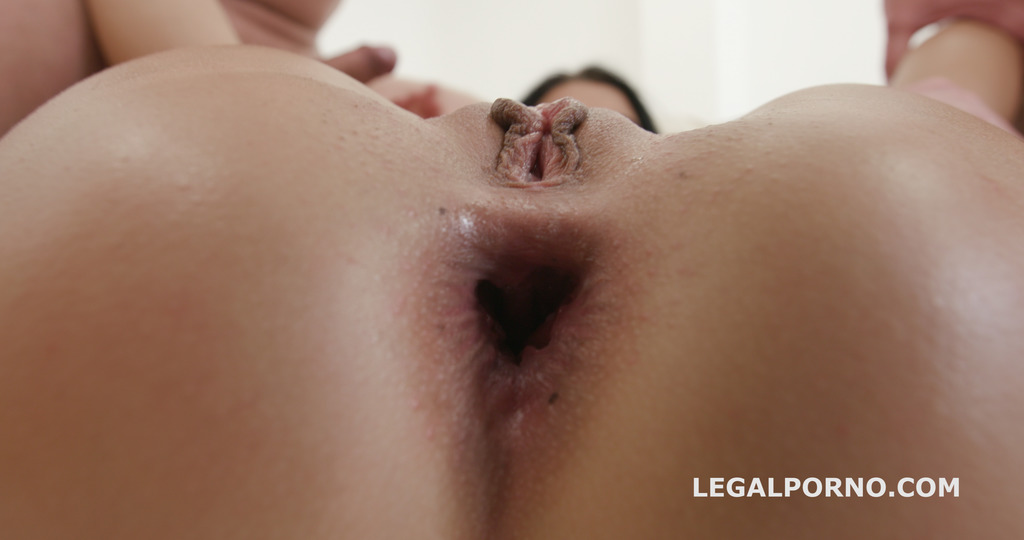 Download LegalPorno - Giorgio Grandi - Nicole Black lesson number 8, 10on1 DAP Gangband Balls Deep Anal / DAP / TP / Gapes / Swallow GIO576
