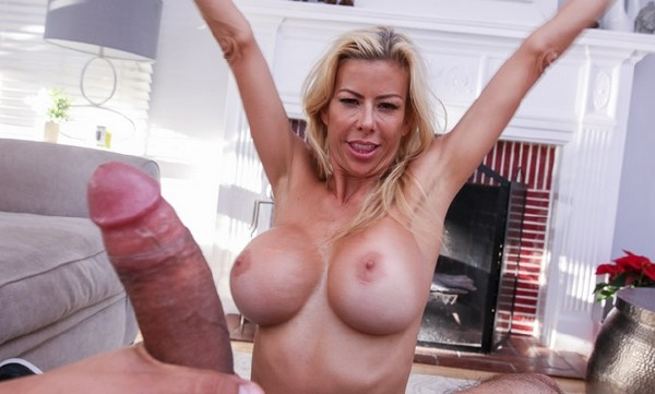 Stepmoms Friends With Benefits (Alexis Fawx) PervMom [SD]