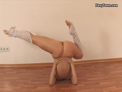Tags: flexible, sport, gymnastic, erotic, solo