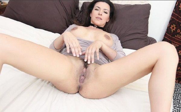 Sniffing Stepmoms Panties (Danica Dillon) PervMom [SD]