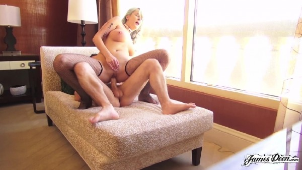 Maxim Law - Makes James Deen Forget His Troubles [Standard Quality SD] JamesDeen - (239 MB)