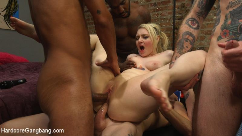 Spunky Cheerleader Gets All Her Holes Stuffed!! / 41092 (Arielle Aquinas) HardcoreGangBang [SD]