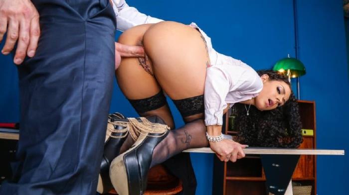 Mara Martinez - Alternative secretary office sex and cum in mouth [HD 720p] - BumsBuero/PornDoePremium
