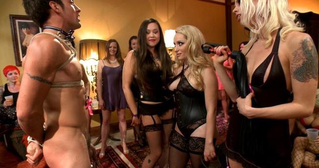Free lesbian gang porn