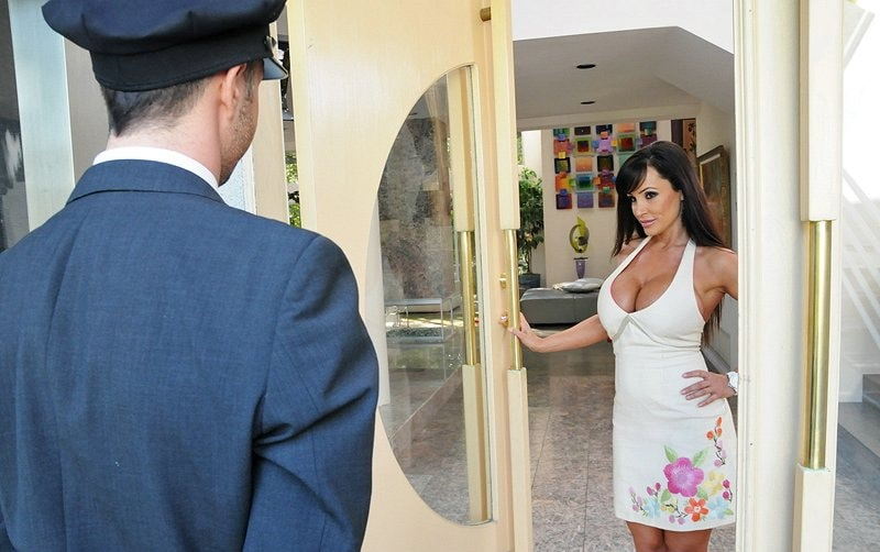 Lisa Ann - Love Boobies Need Loving (2018/FullHD)