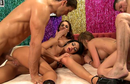 Angelina Valentine, Monique Alexander, Chanel Preston - Live 12...