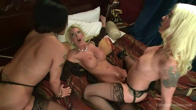 Consider, ts foxxy and courtney taylor