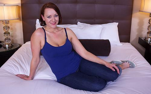 Jayne - All natural hot MILFY mom (2018/HD)