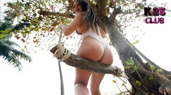 ParadiseGFs: Cassie Fire - Holiday Sex With Lusty Thick-Ass Model In The Great Outdoors (FullHD/2018)