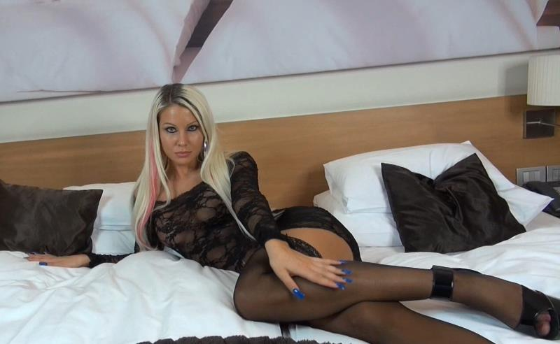 Daniela Hansson - One Day With Her (Clips4sale) [FullHD 1080p]