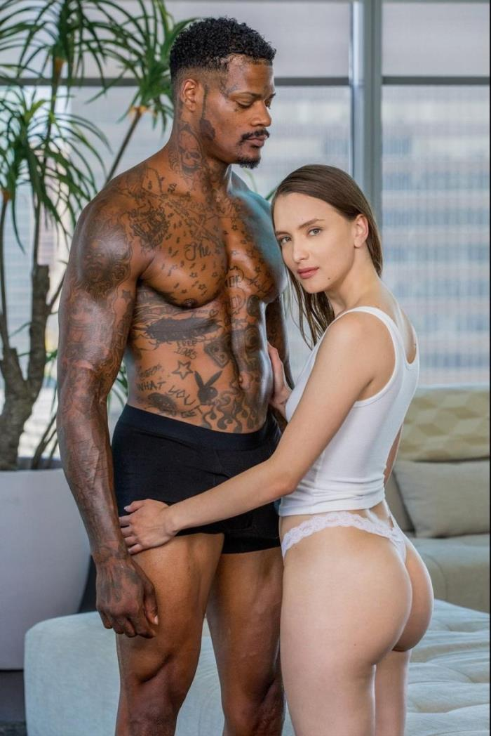 Izzy Lush - The Second I Saw Him (2018/Blacked/SD/480p)
