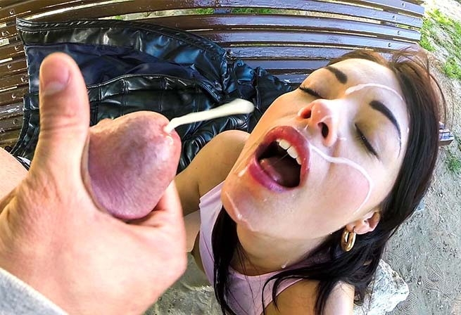 BangBros: Ava Dalush - Big Ass bouncing on the cock in public [FullHD 1080p] (1.42 Gb)