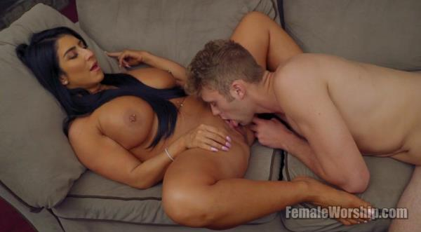 FemaleWorship.com - Raven Hart - Come Snuggle With Me [FullHD 1080p]