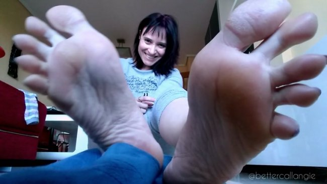 Angie - Lick and Suck my Toes, Soles and Slippers While I Burp at You, Slave Foot Humiliation by Thunder Angie [FullHD 1080p] (406.84 Mb)