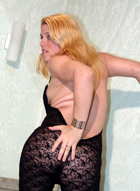 Bianca Duarte Cums Hard!