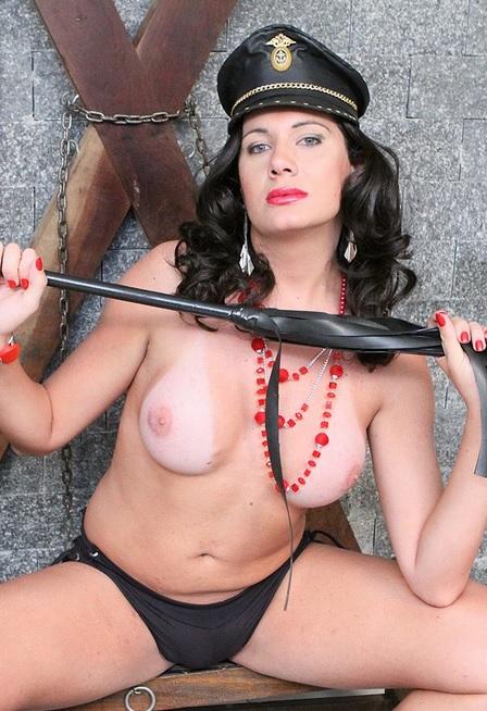 Kinky Cop Bia Gaucha!