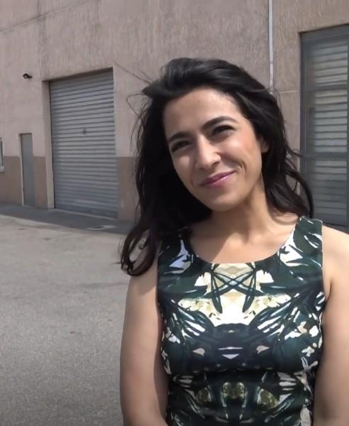 Nelie - Nelie, la beurette marocaine se lache [HD 720p] - JacquieEtMichelTV