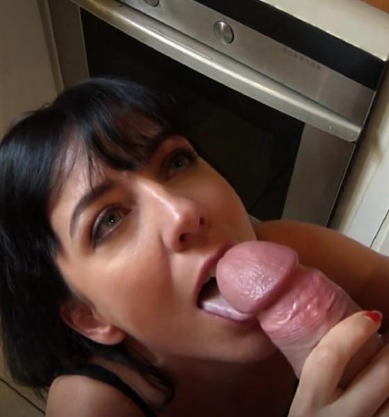 Public Sex with Mya - Mya, toujours prete a laction [HD 720p] JacquieEtMichelTV.net - (476.95 Mb)