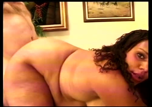 cp70387-02 preggo with shaved oiled crack (image 1),