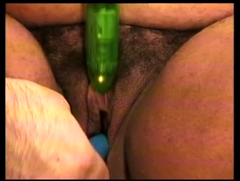 cp70387-02 preggo with shaved oiled crack (image 3)-5,