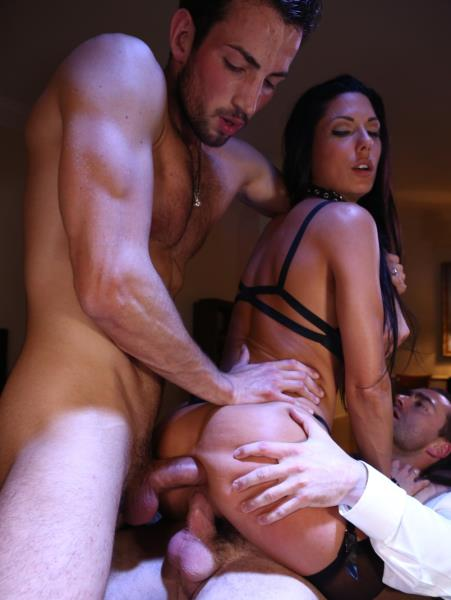 Alexa Tomas - Gets banged by 2 men [DorcelClub / FullHD 1080p]