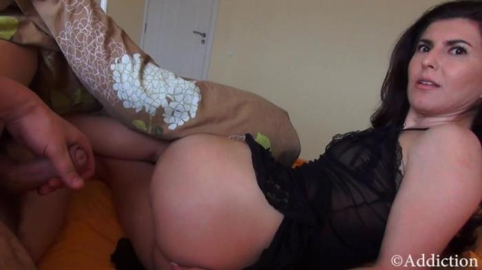 Addiction / Clips4Sale - Amateur - Slepping With Mommy [FullHD 1080p]