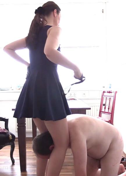 Victoria Valente - Domestic Pig - Humiliated
