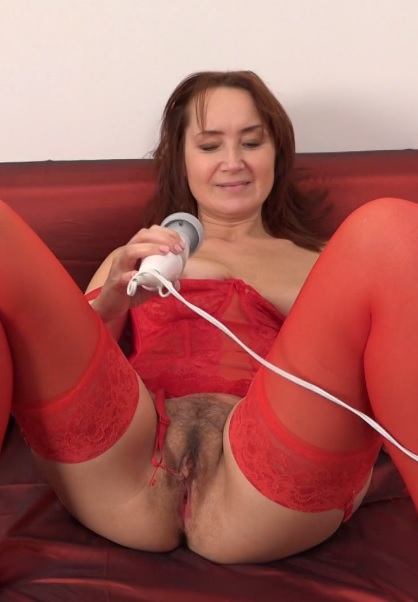 Lucy (44) in hairy housewife Lucy fingering herself