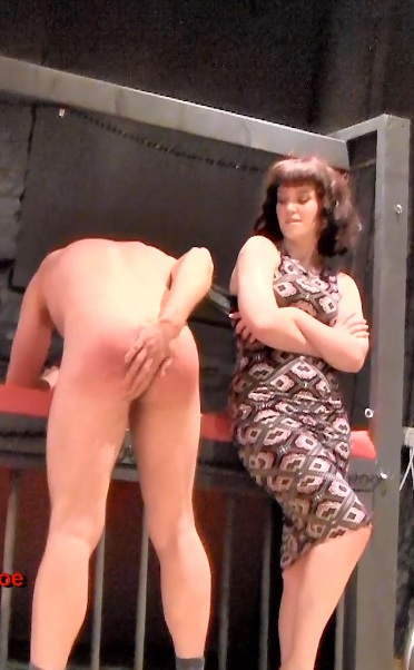 Miss Zoe Page - British Dungeon This Hurts