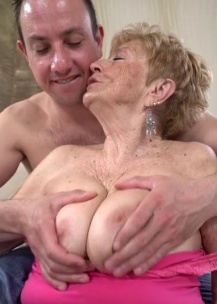Malya, Rob in Grannys Pleasure