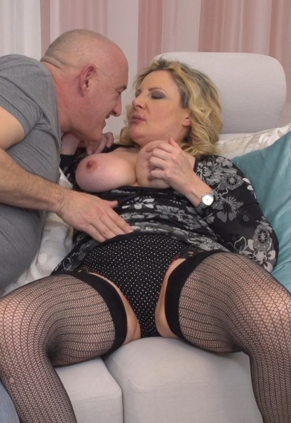 Valentina (51) in Italian curvy housewife Valentina fucking and sucking
