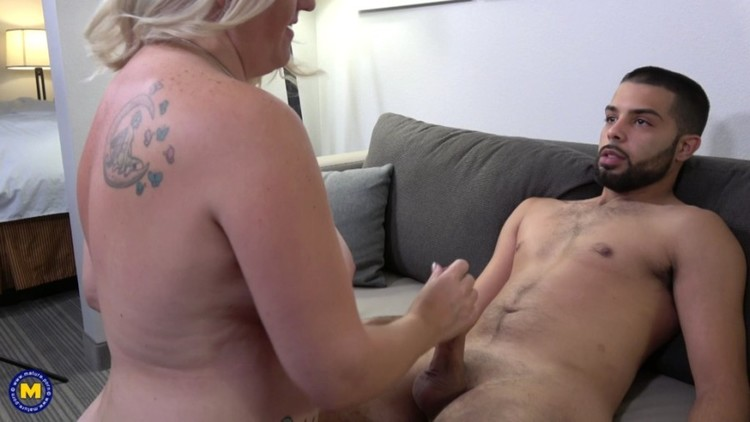 Mature - Anna Moore American curvy cougar doing her toyboy - pornagent.org