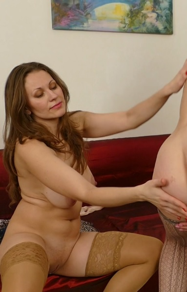 horny housewives Audrey and Artemia fooling around